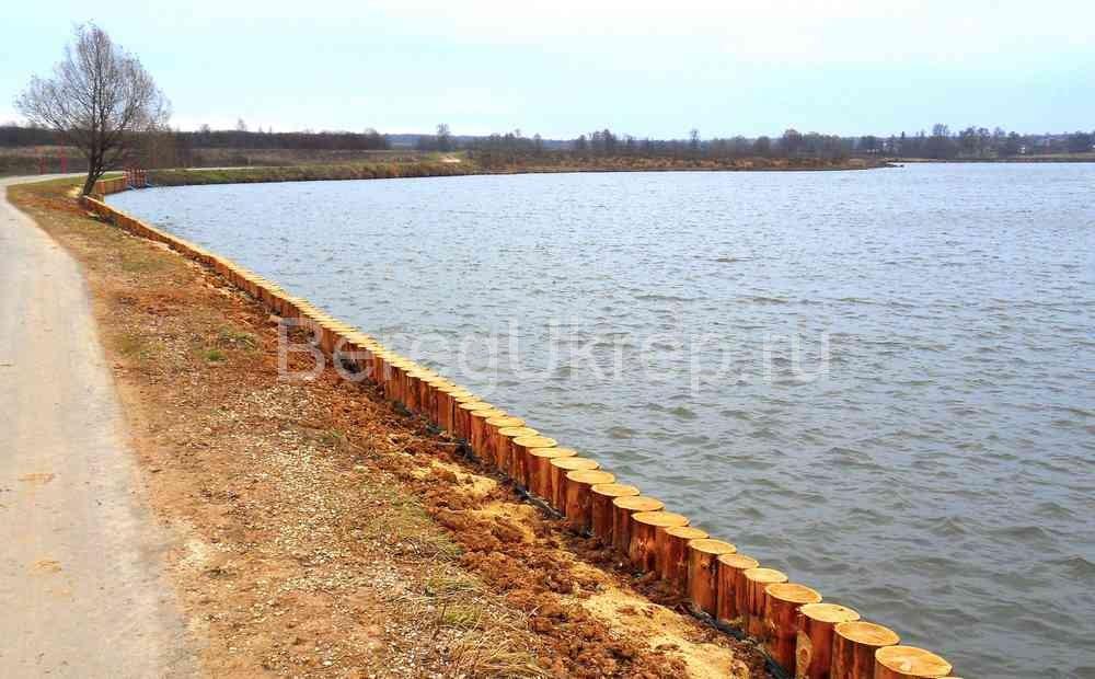 Укрепление берега лиственницей для государственных объектов